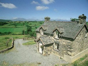 holiday cottage with fine views of snowdonia