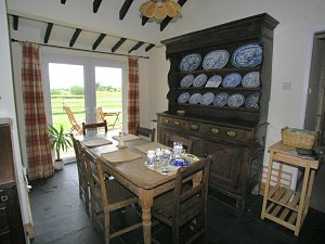 dining area of the cottage